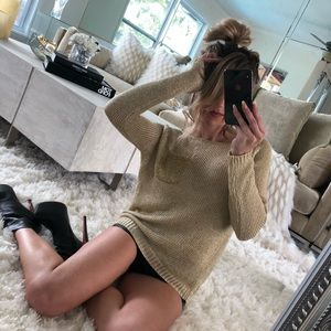 ❥ Gold cable knit sweater